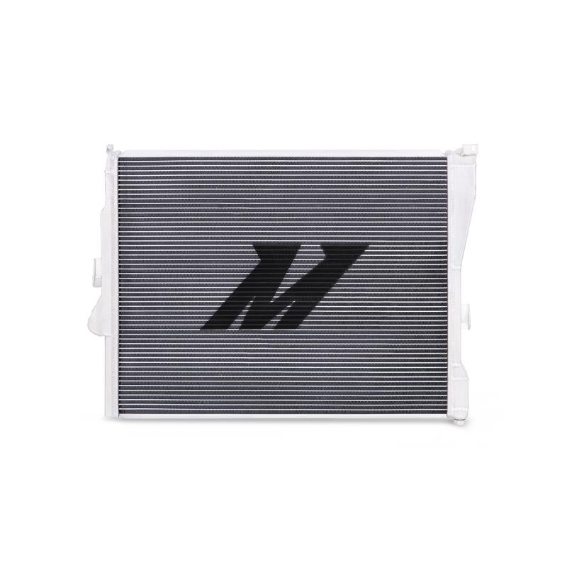 Mishimoto Performance Aluminum Radiator - Manual BMW E46 Non-M